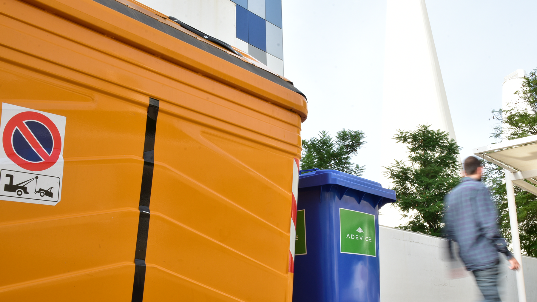 Controlling the quality of waste disposal services with IoT